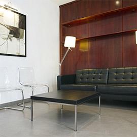Sala de espera de la Clínica Dalmases en Barcelona